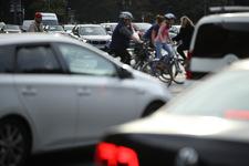 Jest porozumienie ws. ograniczenia emisji spalin przez auta
