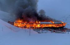 W Alpach spłonęło kultowe muzeum motoryzacji